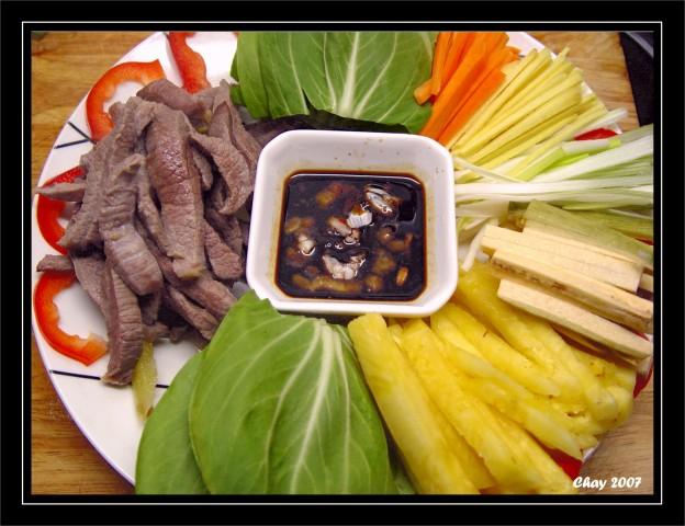 Thịt bò cuốn lá cải