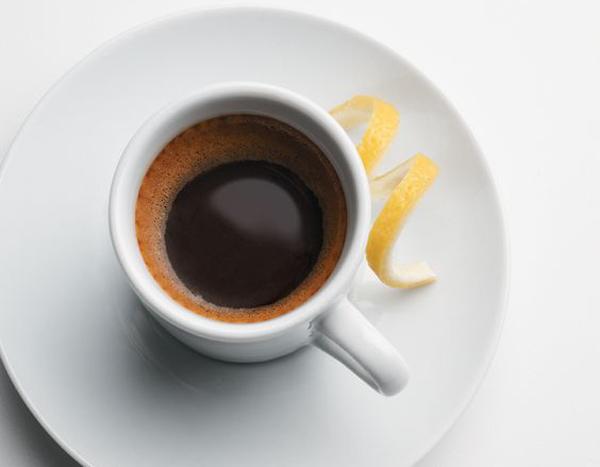 Một tách espresso truyền thống