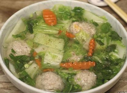 Canh cải nấu thịt viên - amthuc365