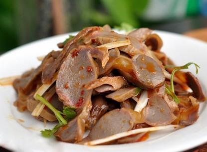Mề gà trộn giấm và dầu ớt - amthuc365