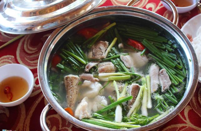 Canh chua cá khoai - amthuc365.vn