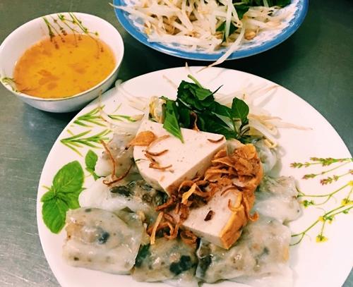 """4 biến tấu """"bánh cuốn"""" độc đáo ở Sài Gòn 1"""