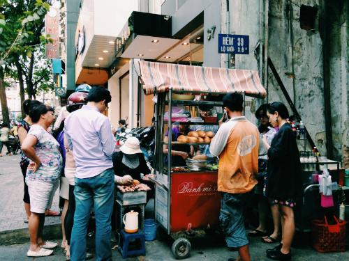 Bánh mì thịt nướng Nguyễn Trãi