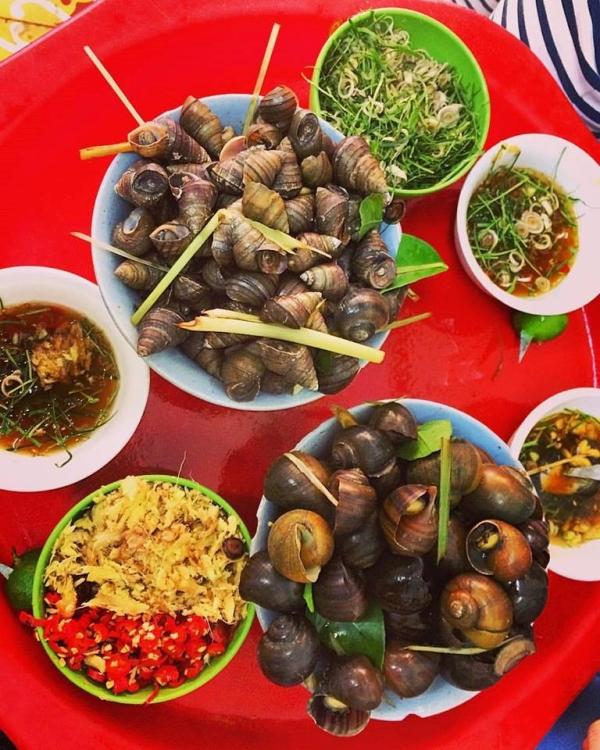 Ốc luộc Hà Trang - phố Đinh Liệt 1