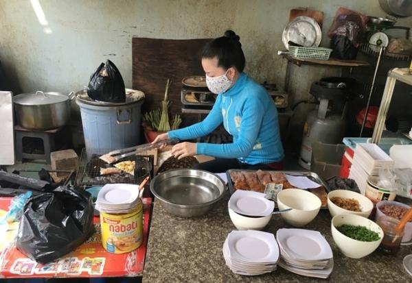 Quán bánh tráng ở Sài Gòn