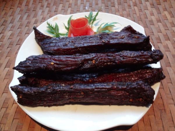 Thịt trâu gác bếp 1