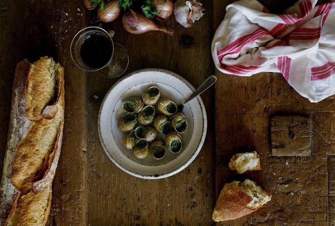 Ở Việt Nam, ốc sên không ai ăn nhưng ở Pháp đây lại là đặc sản đắt tiền1