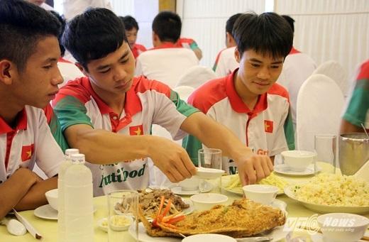 Ăn gì để khỏe như các cầu thủ Việt Nam?3