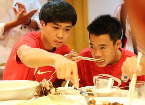 Ăn gì để khỏe như các cầu thủ Việt Nam?4