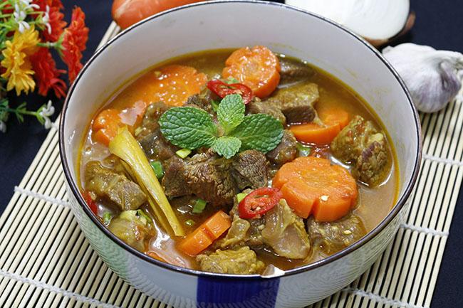 Bò kho nước dừa thơm lừng, ăn hết cả nhà ai cũng chẹp miệng tiếc nuối1