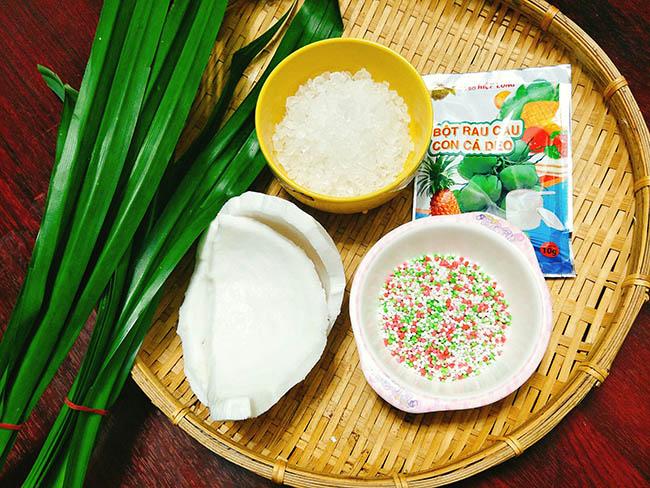 Cách làm chè dừa non thạch lá dứa ngon bất bại giải nhiệt mùa hè2