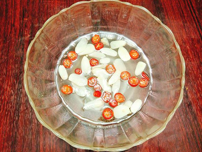 Cách làm su su muối chua ngọt, giòn sần sật cực hấp dẫn6