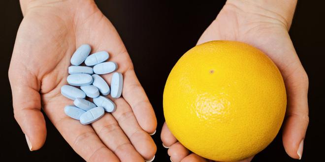 Chuyên gia giải thích: Vì sao ăn bưởi không nên uống thuốc?2