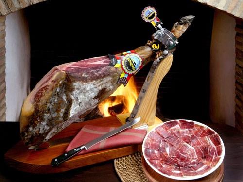 Đại gia Việt Nam săn thịt lợn đen Tây Ban Nha về ăn Tết1