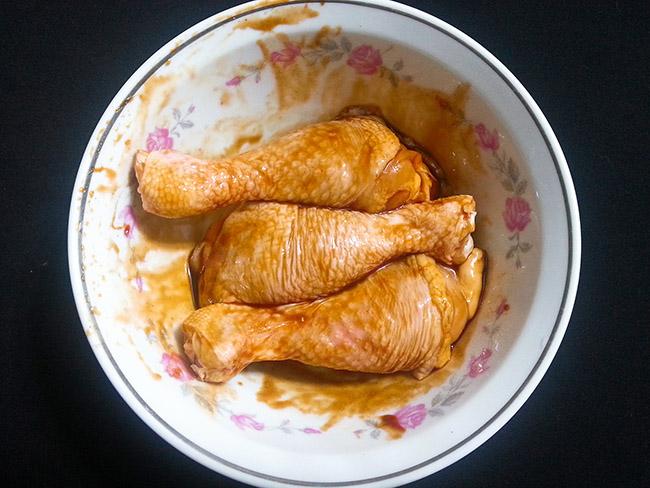 Món đùi gà chiên xù giòn tan, các bé tranh nhau ăn không chịu nhường4