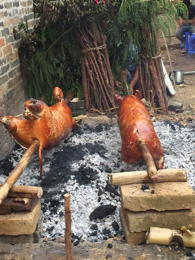 Ngất ngây món lợn quay xứ Lạng – Đặc sản cùng núi rừng Đông Bắc3