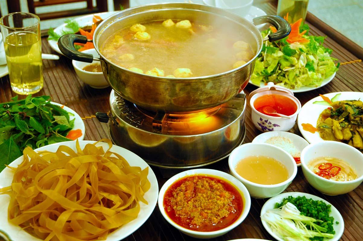 nhà hàng Lưu Gia Trang3