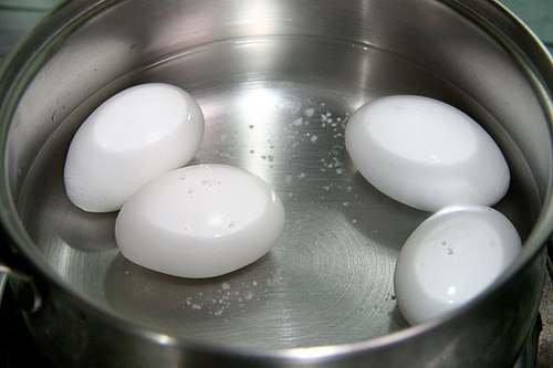 Những sai lầm khi luộc trứng có thể ảnh hưởng đến sức khỏe con người1