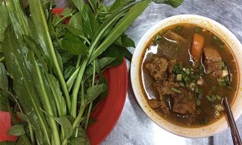 Những con hẻm ăn vặt luôn tấp nập ở Sài Gòn 6