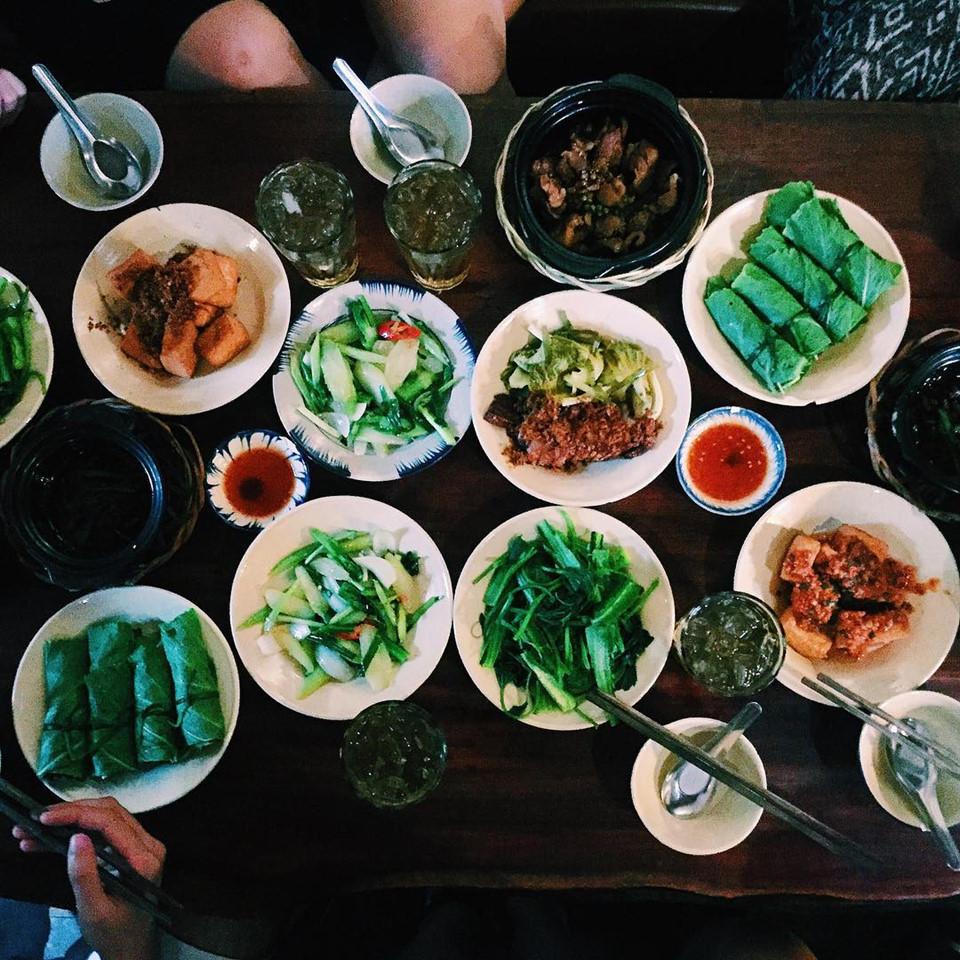 Quán cơm nhà ngon view đẹp thân thương ở Sài Gòn 2