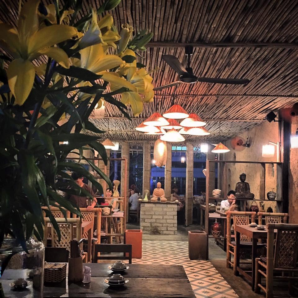 Quán cơm nhà ngon view đẹp thân thương ở Sài Gòn 3