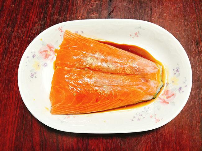 """""""Sang mồm"""" với món cá hồi sốt bơ béo ngậy, thơm lừng23"""