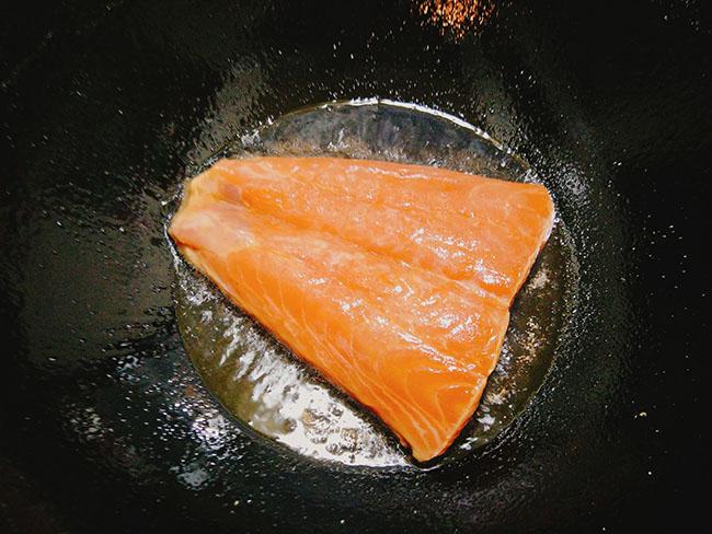 """""""Sang mồm"""" với món cá hồi sốt bơ béo ngậy, thơm lừng24"""