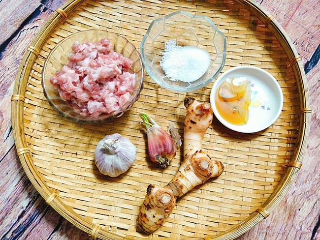 Thịt rang riềng thơm ngon nức mũi cho bữa cơm ngày bận rộn2