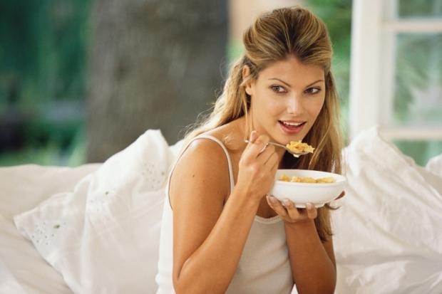 SOS: Thói quen ăn nhanh ảnh hưởng đặc biệt nghiêm trọng đến sức khỏe cọn người5