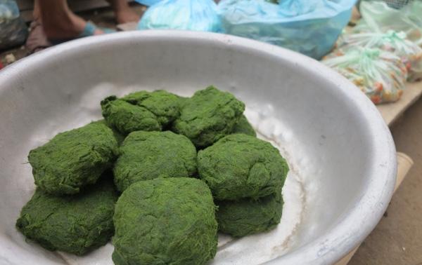 Thử thưởng thức món rêu nướng – Đặc sản của người Tày ở tỉnh Hà Giang1