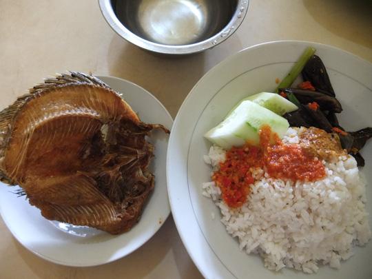 Tổng hợp những món ăn bình dân, đường phố nhất định phải ăn khi đến Indonesia2