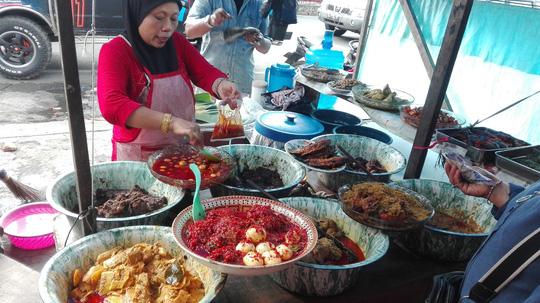 Tổng hợp những món ăn bình dân, đường phố nhất định phải ăn khi đến Indonesia4