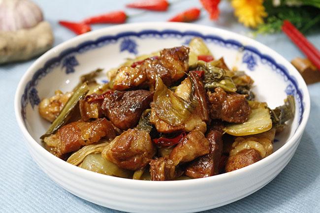 Vét sạch cả nồi cơm với món thịt ba chỉ kho dưa thơm ngon, đậm đà7