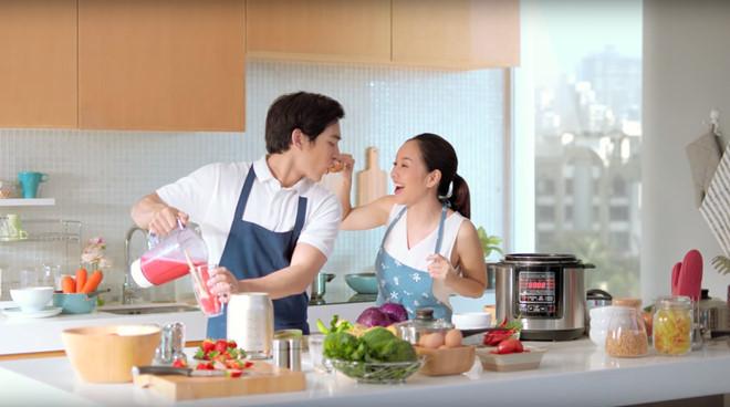 Chẳng cần Đao to búa lớn , phụ nữ vẫn có bí quyết để chồng chia sẻ việc bếp núc1