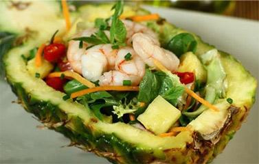 Salad tôm dứa ngon mát, lạ miệng