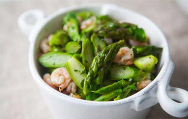 Cách làm món Salad tôm và măng tây