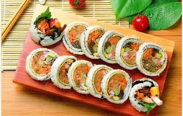Gimbap - cơm cuốn rong biển Hàn Quốc
