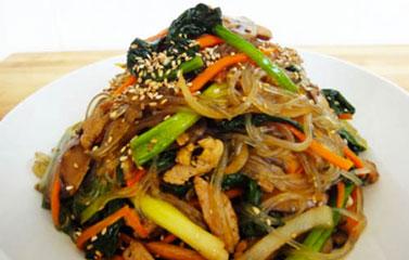 Japchae - miến khoai tây xào rau Hàn Quốc cực ngon