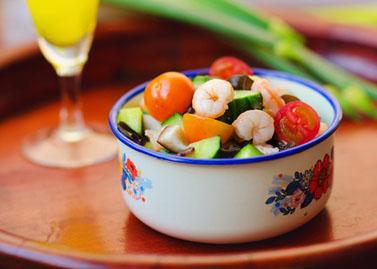 Salad tôm sắc màu