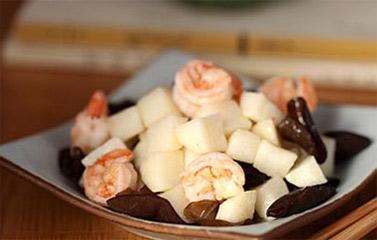 Món ngon bữa trưa: Củ đậu xào tôm