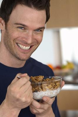 Ăn đủ 3 bữa/ngày, kết hợp chế độ dinh dưỡng hợp lý là giải pháp tối ưu để ngăn ngừa nguy cơ mắc tiểu đường type 2.