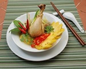 Cách chế biến món thịt gà om trái thơm