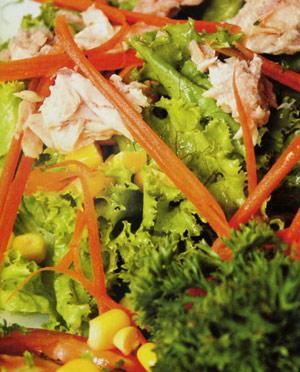 Hướng dẫn làm món salad cá ngừ