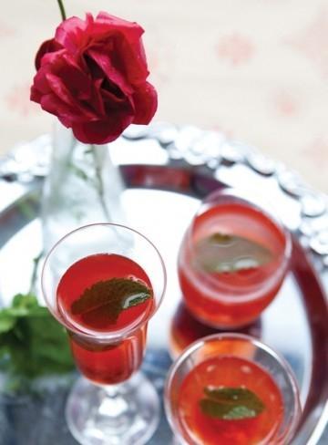 Xi-rô dâu đỏ thắm cho năm mới thêm may mắn