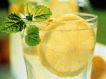 Chế ngự cơn nóng giận với đồ uống ngọt, Sức khỏe, Nong gian, che ngu, duong, nuoc chanh pha duong, glucose, kiem soat, hanh vi
