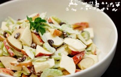Mê mẩn món salad táo thơm ngon - 6