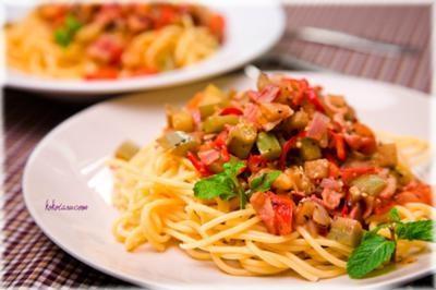 Lạ miệng với mì Ý và cà tím xào cay