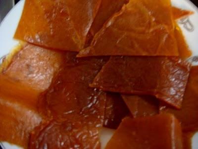 Hấp dẫn món bánh tráng xoài Nha Trang.