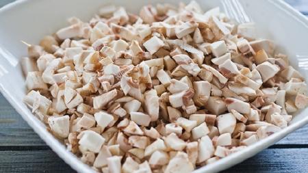 Làm salad nấm ăn cho bớt cơn ngán thịt