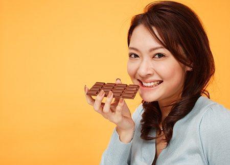 Làm đẹp bằng thỏi chocolate ngọt ngào, Làm đẹp, lam dep bang chocolate, tri mun trung ca, rang, giam can,